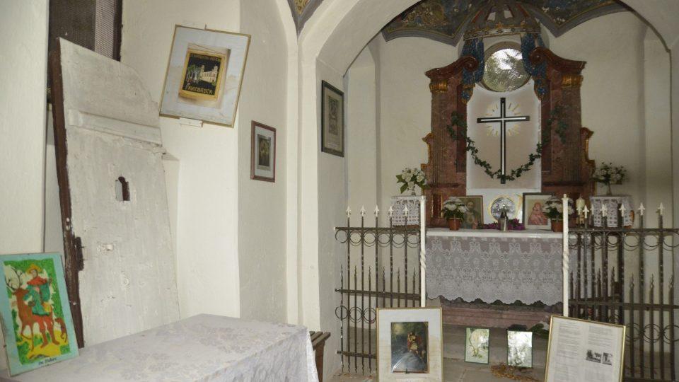 Interiér kaple sv. Huberta