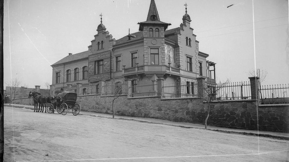 Vila Rehwald na Letné, před r. 1918, foto pravděpodobně Ladislav Lábek - naskenovaný a částečně upravený snímek