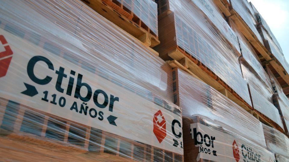 Z cihel firmy Ctibor se v Argentině stavěly třeba doky v Buenos Aires