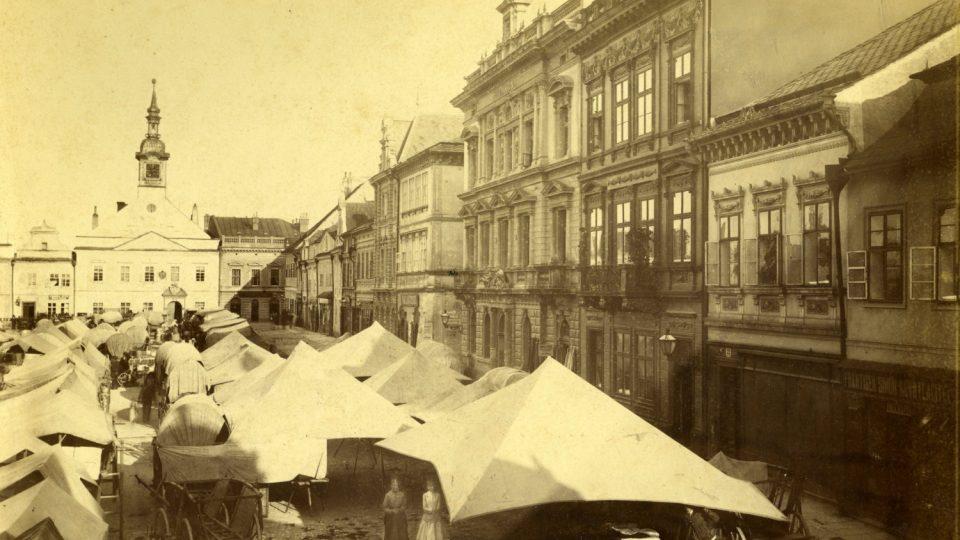 Trhy na vysokomýtském náměstí