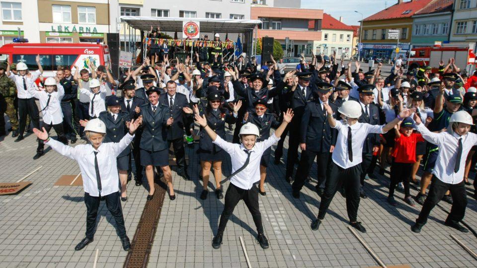 Oslavy 140 výročí založení sboru na Masarykově náměstí v Holicích