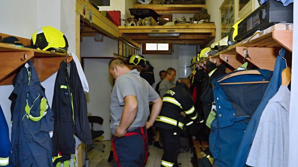 Ejpovičtí hasiči se připravují na zásah