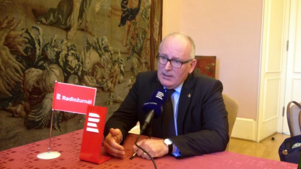 Frans Timmermans se vyjádřil k otázce uprchlíků a kvót na jejich přerozdělování mezi zeměmi Evropské unie