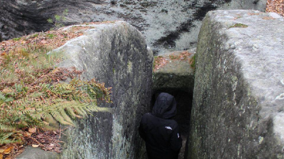 Cesta na vrchol Dutého kamene