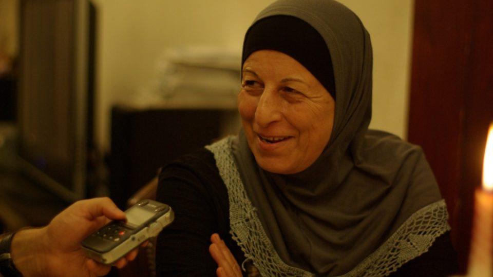 Alija Disúkíová je skvělá kuchařka, po odchodu do důchodu vymýšlela, co by ji naplňovalo, a tak teď vaří zákaznkům domácí palestinskou krmi