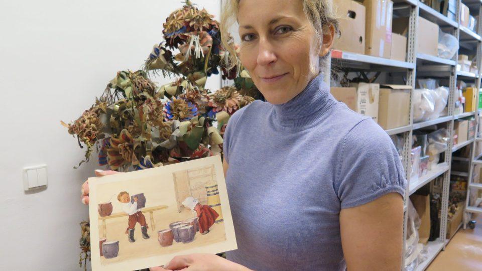Etnografka VMO Olomouc Veronika Hrbáčková s ilustrací Marie Gardavské