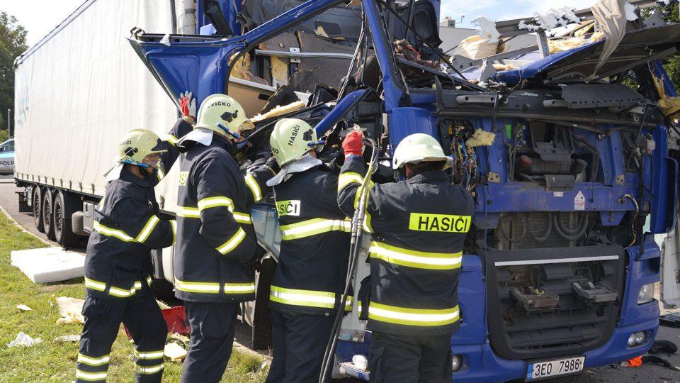 Zásah u požáru kabiny kamionu