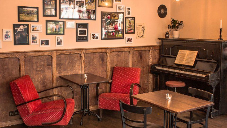 kavárna AdAstra