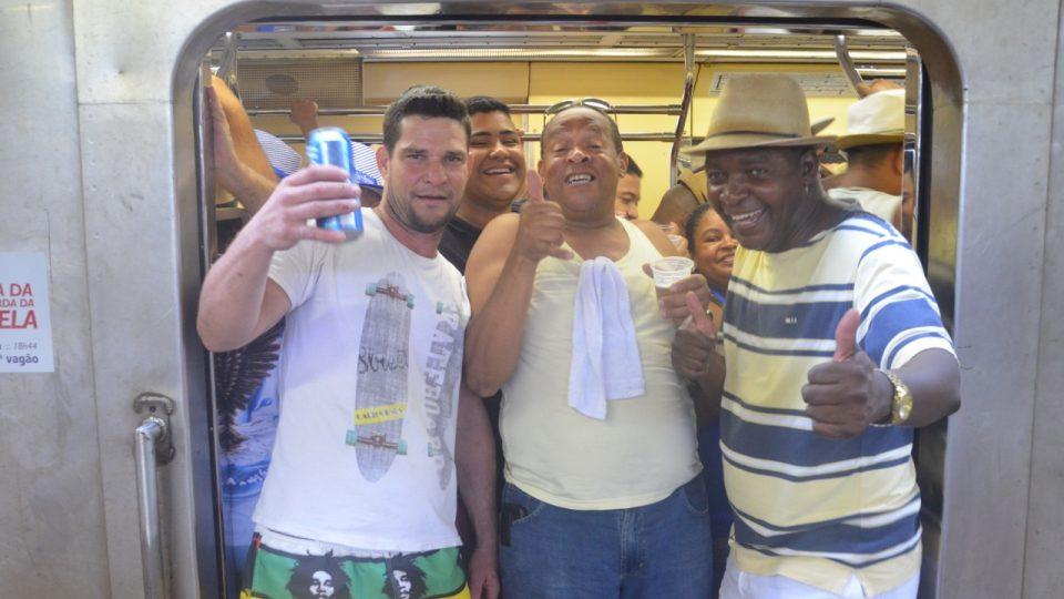 Vlak už je skoro plný, ale cestující stále lákají další
