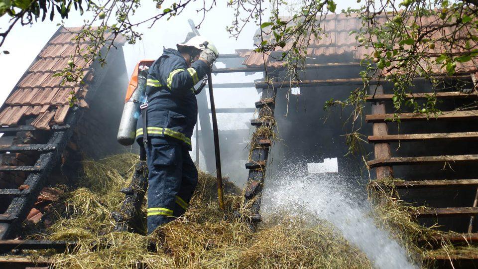 Požár seníku v obci Budislav