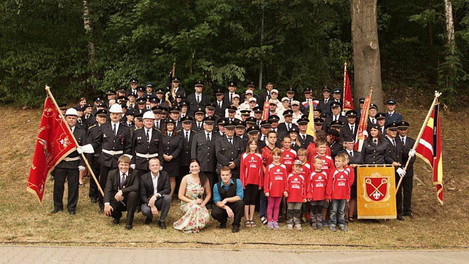 Společné foto z výročí 130. let založení SDH Dolní Újezd