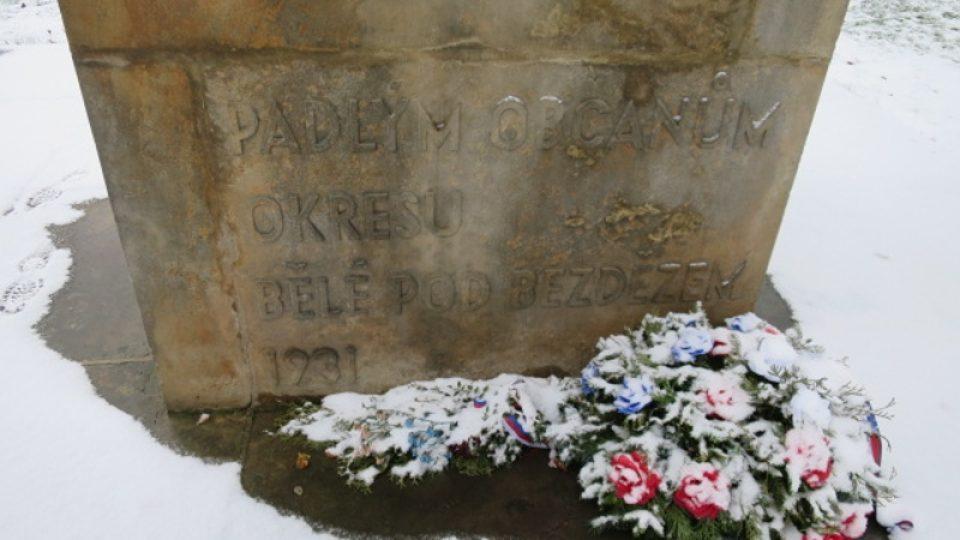 Detaily pomníku