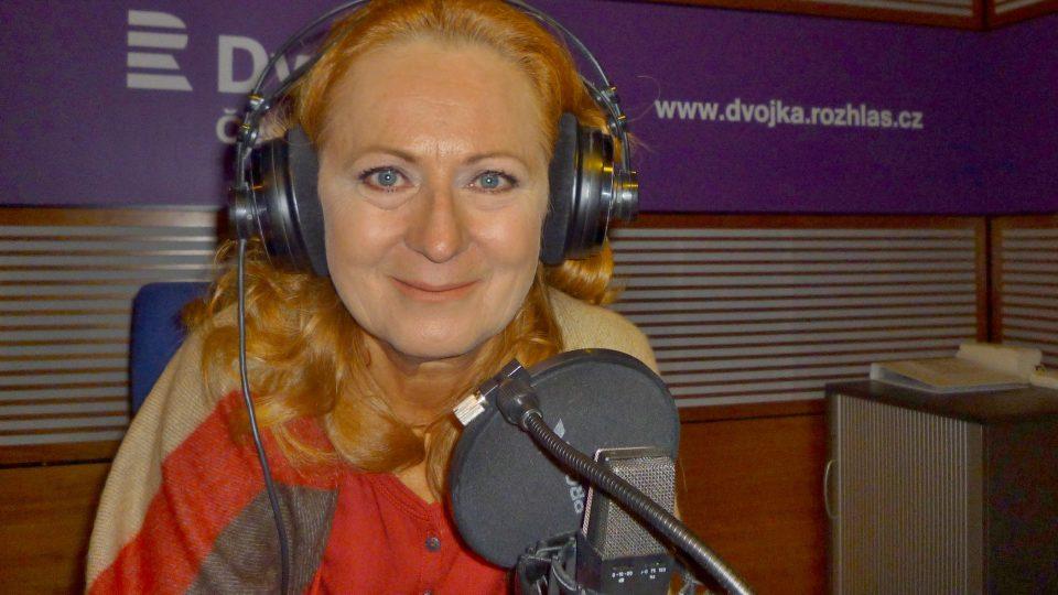 Simona Stašová na Dvojce v pořadu Nezatloukat