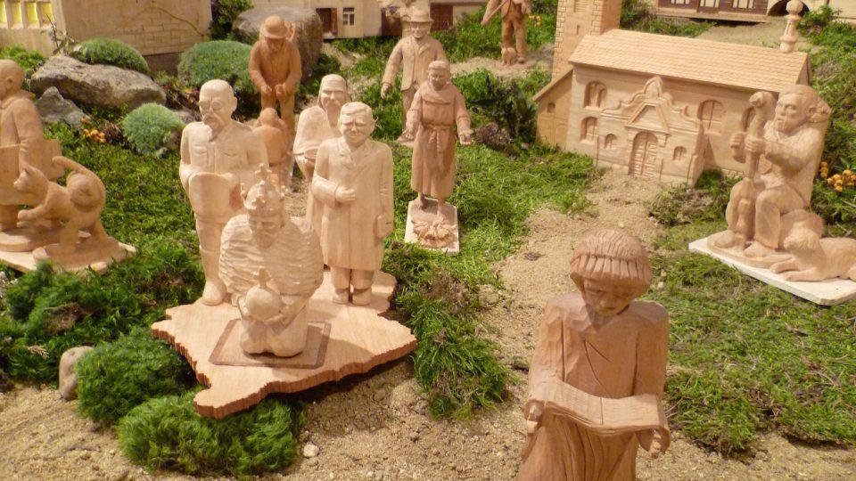 V betlému v Schumpeterově domě najdete i figurky známých osobností