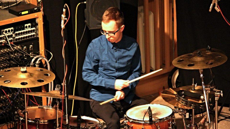 Michal Fedor válel na bicí