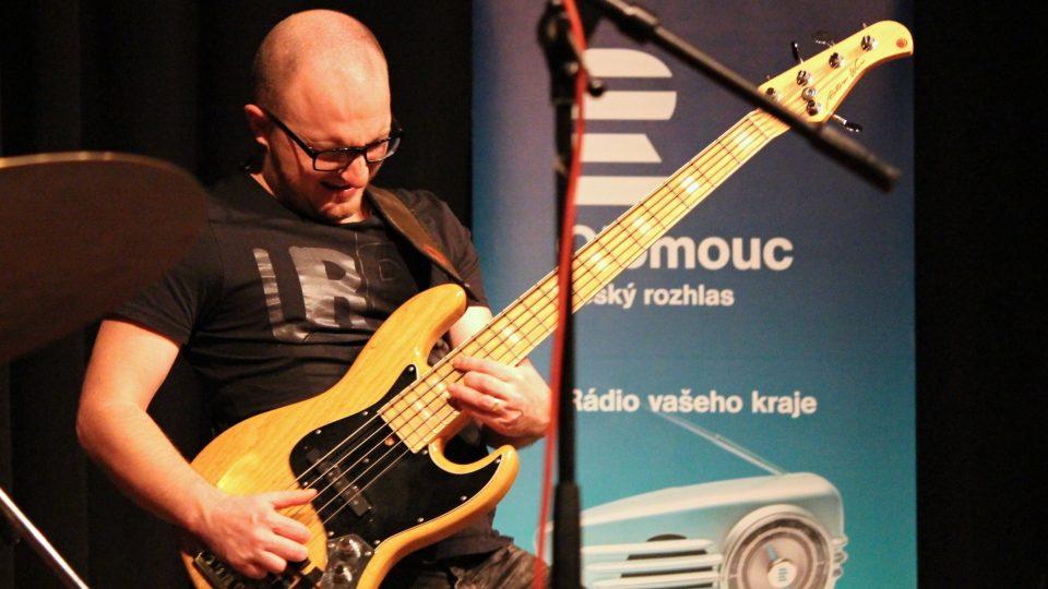 Michal Šimko na basu