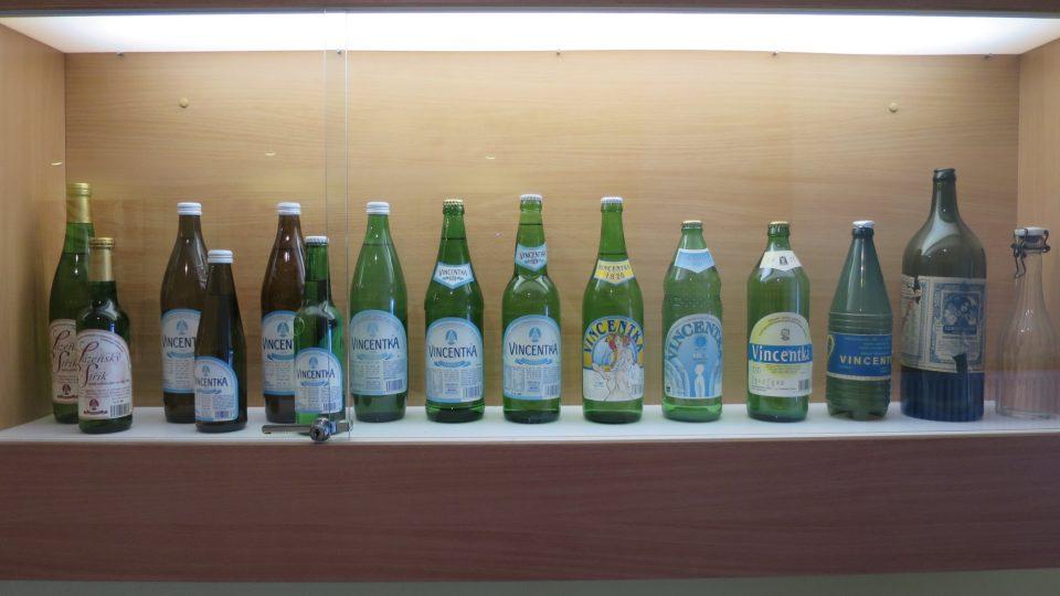 V lahvích se Vincentka prodává od roku 1820