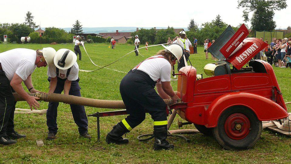 Soutěž v požárním útoku při příležitosti oslav 125 výročí založení SDH Řestoky