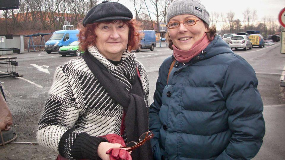 Lenka Kocierzová s autorkou pořadu Petrou Štrymplovou (vpravo)