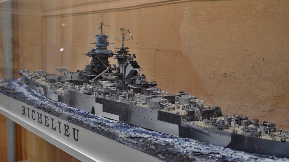 Některé modely se skládají z několika tisíc dílů