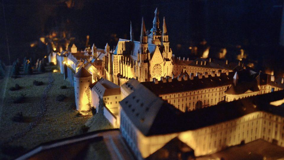 Unikátní noční model Hradčan