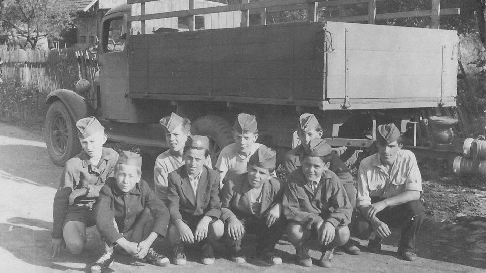 Černovírští mladí hasiči, oddíl žáků (1955)