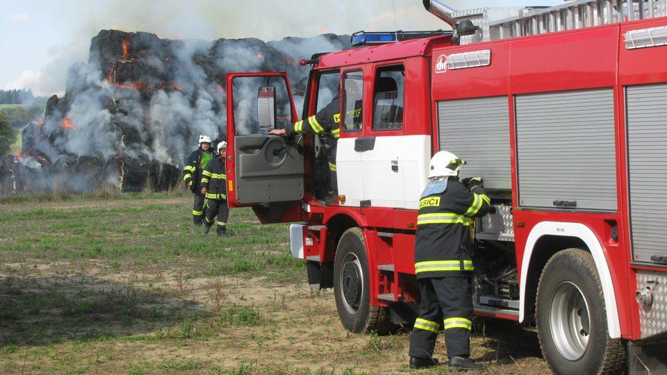Požár stohu v Libchavách