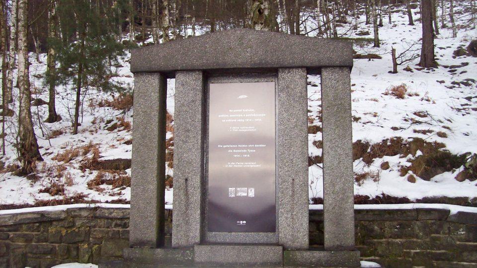 Nová deska pomníku