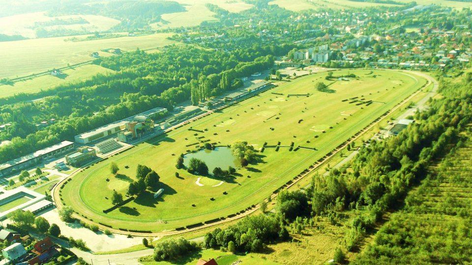 Areál slušovického závodiště patří k nejmladším v České republice