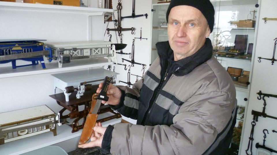 Miroslav Moravec s nožem Karla Effy