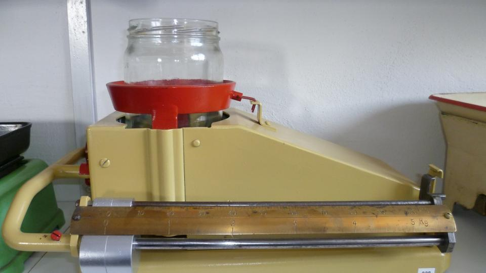 Včelařské váhy na med
