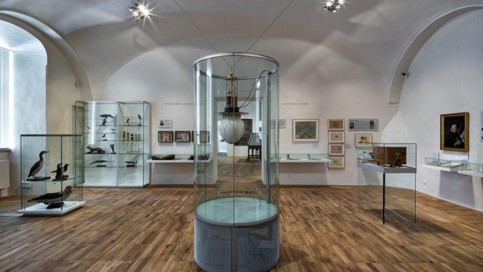 Kabinet přírodovědný a technický – část expozice Regionálního muzea v Litomyšli, v níž je umístěn Staškův přístroj