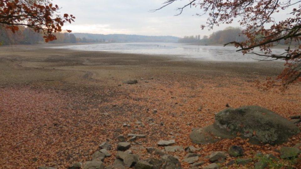 Vypuštěný Velký rybník je na trase stezky