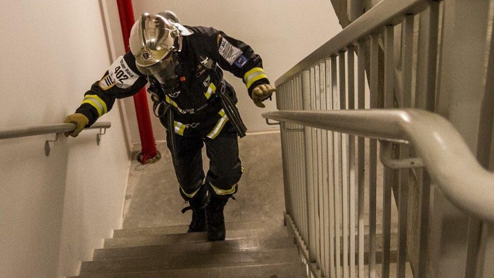 Martin při běhu do schodů v soutěži TFA v USA