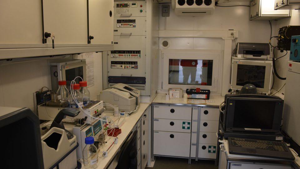 Vybavení libereckých chemiků