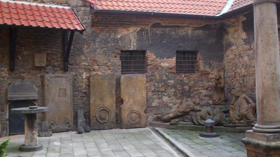Památky pochází od dob rané gotiky až po první polovinu 20. století