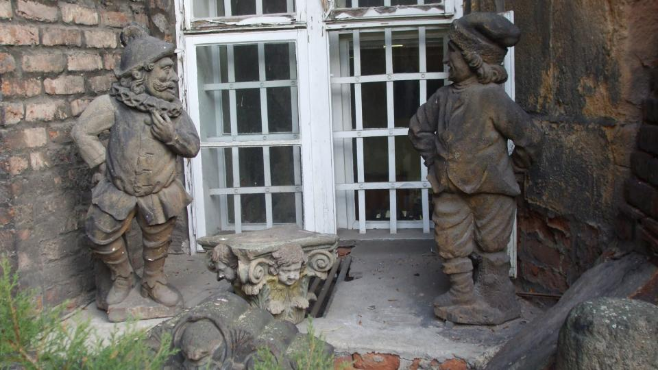 Na Mnišském dvorečku vás přivítají hned tři trpaslíci