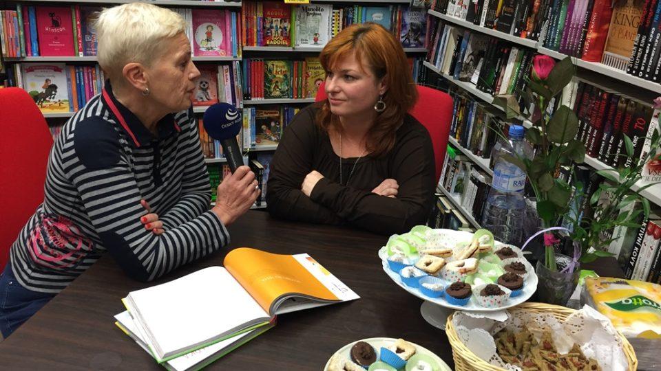 Radka Vrzalová, autorka knihy receptů bez lepku, s autorkou pořadu Dámská jízda Mirkou Nezvalovou