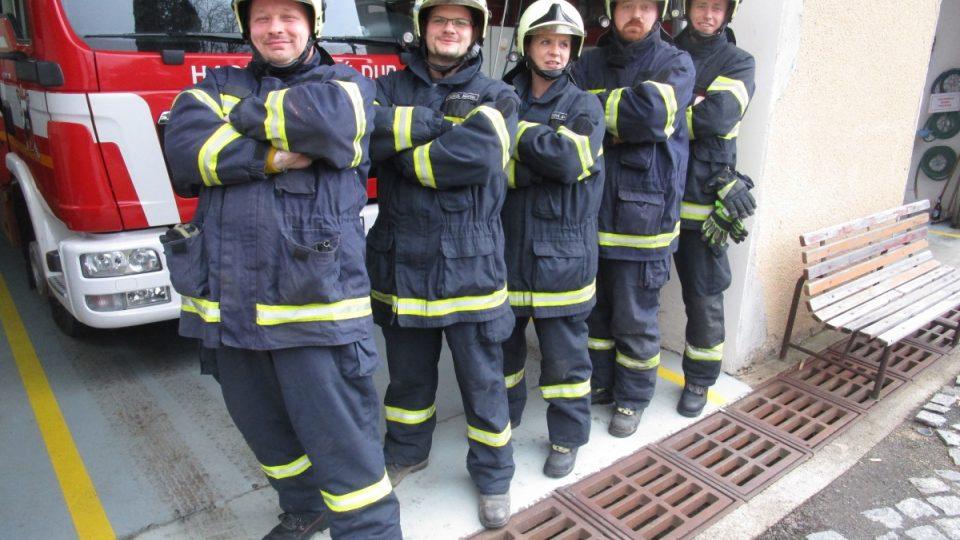 Hasiči z Českého Dubu mají mezi sebou i profesionální hasičky