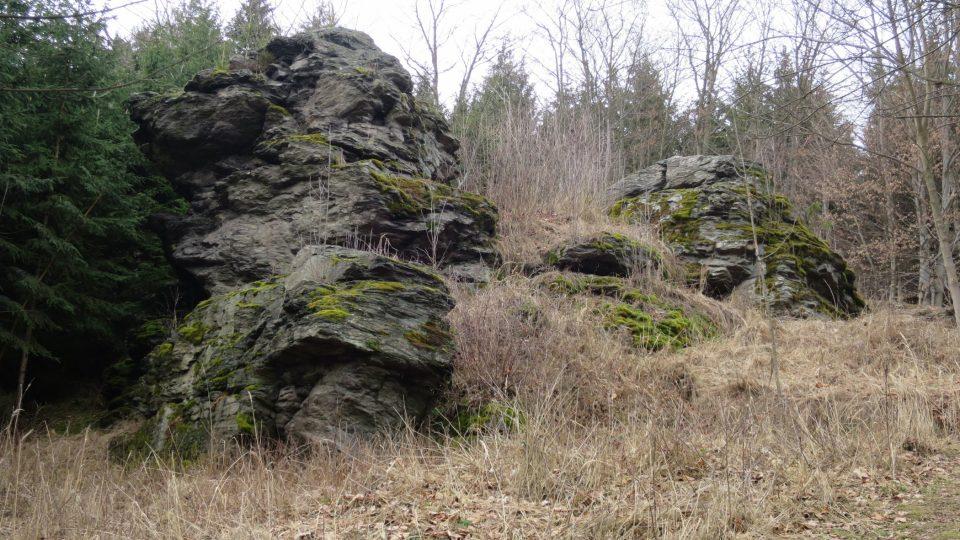 Miličínský lev - hlava je levá část skály a vyhlíží k jihu