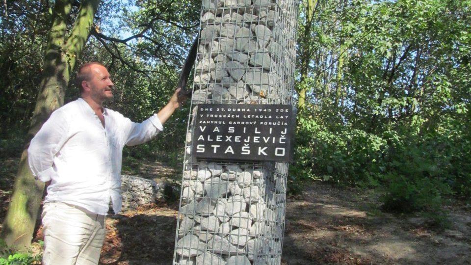 Vasilij Alexejevič Staško má v Klimkovicích pomník