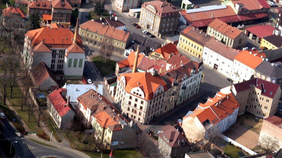 Žatec, centrální část Pražského předměstí, letecký pohled, 2005