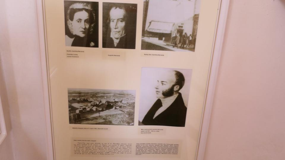 Panel s informacemi o J. Barrandovi