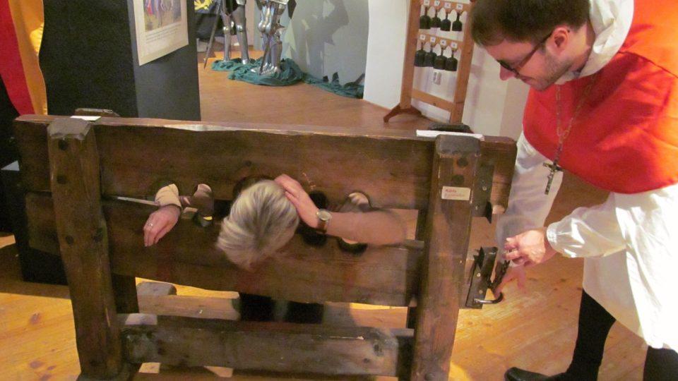 Mučení v kládě