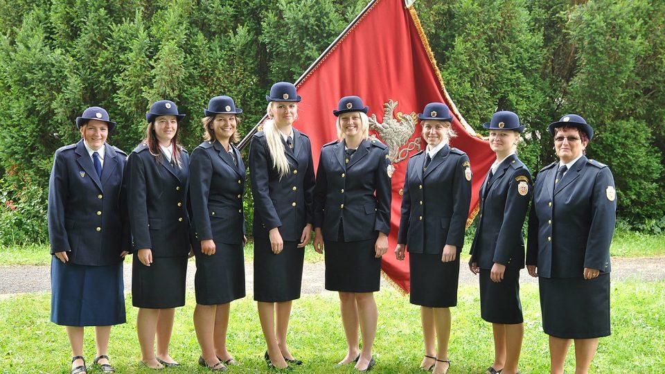 Tisovské hasičky při oslavách 135 let sboru