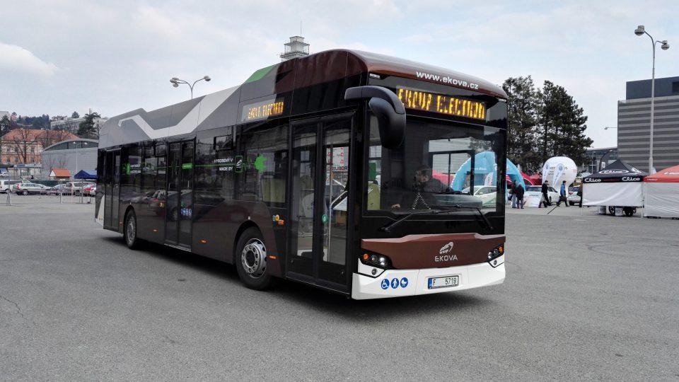 Elektrobus - ECOVA ELETRIC