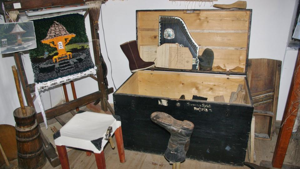 Část muzejních exponátů našli členové Klubu přátel Zlatých Hor také na půdě staré fary
