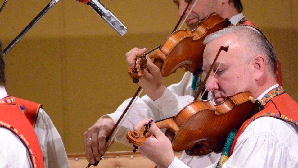Cimbálová muzika Vonica ve Studiu 1
