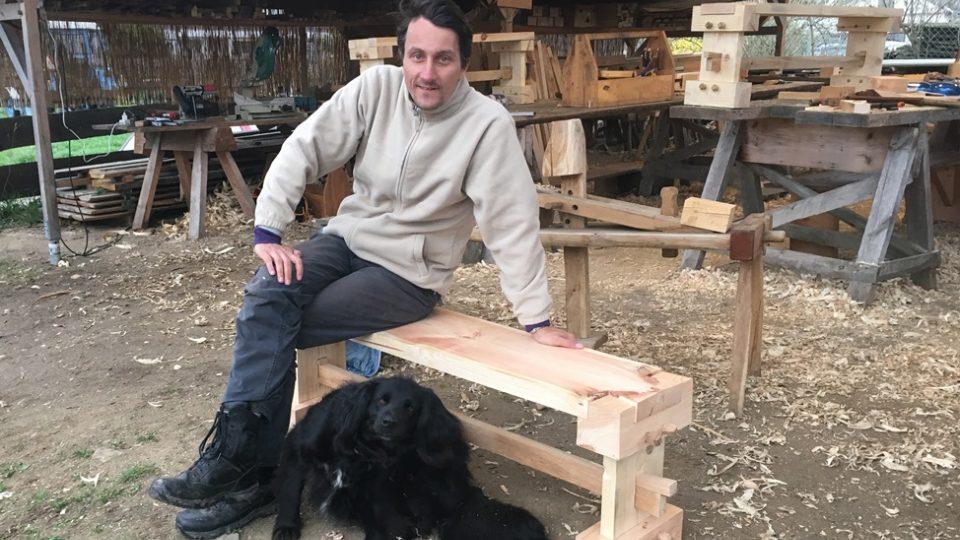 Vlastnoručně vyrobená lavička