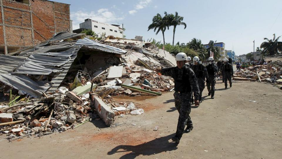 Zemětřesení v Ekvádoru zasáhlo hlavně pobřežní oblasti, například město Manta.JPG